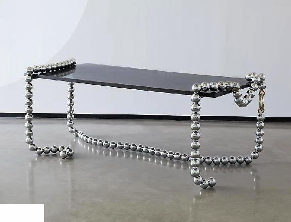 Сочетание современной мебели и украшений. Столы-ожерелья Necklace Tables и арт-зеркало Bazaar Mirror от Mattia Bonetti