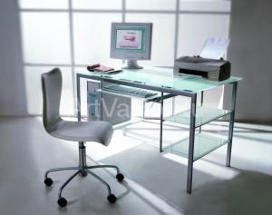 стол 300x237 Стол компьютерный стеклянный