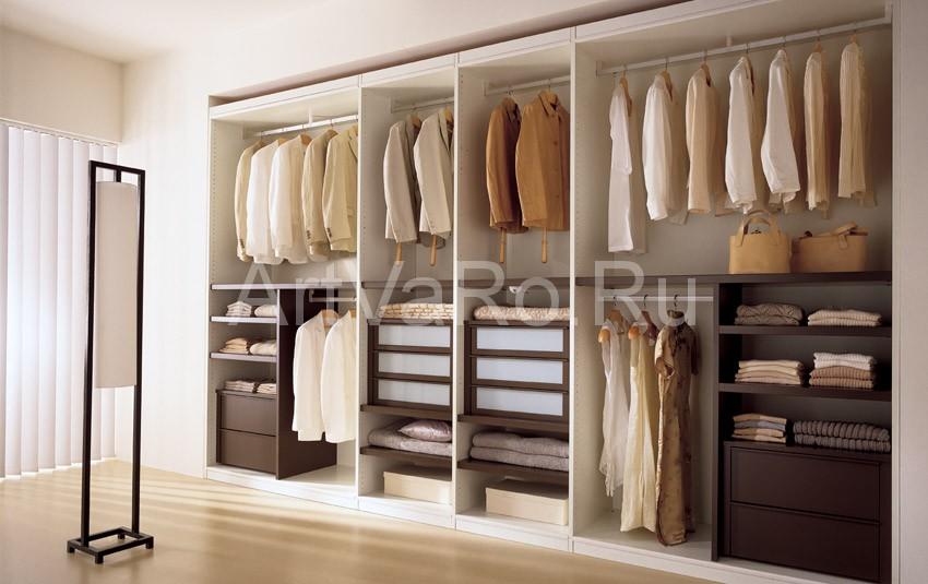 Как обустроить гардеробную комнату?.